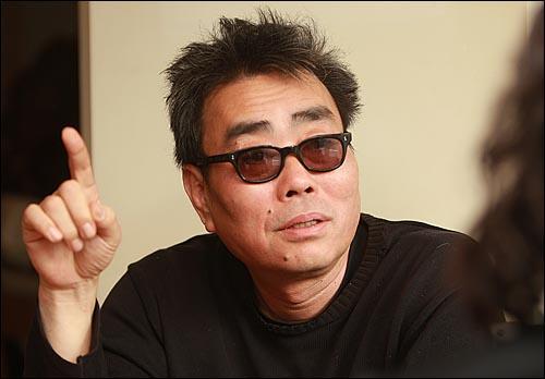 '국민의 명령 백만 민란' 자원봉사위원 여균동 영화감독.