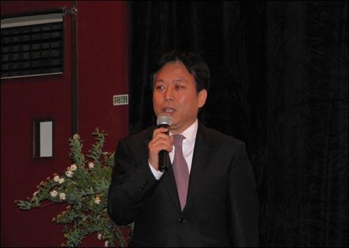 10일 '인디플러스' 개관식에서 인사를 하고 있는 김의석 영진위원장 직무대행