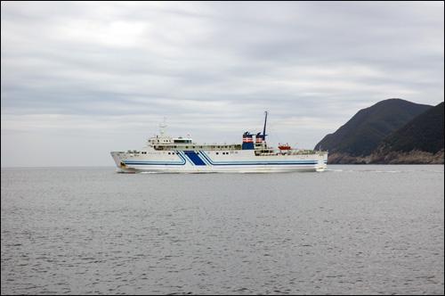 오사카행 여객선 이즈하라 항에서 출발하는 오사카행 여객선
