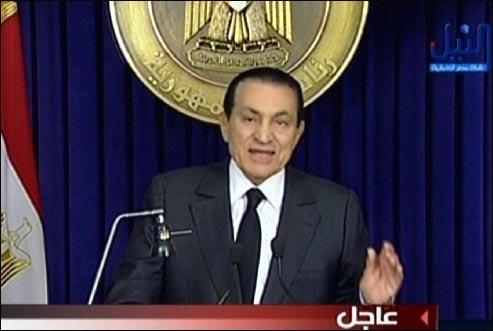 무바라크 대통령 사임 전 방송에서 연설을 하고 있는 무바라크 대통령