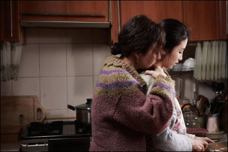 영화 <세상에서 가장 아름다운 이별> 죽음을 앞둔 엄마와 이를 알게 된 딸