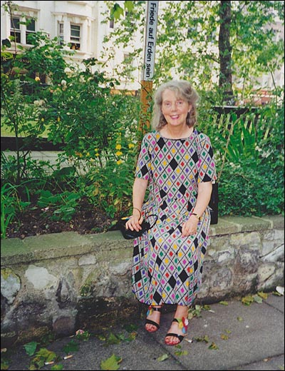 안띠아. 1992년 런던에서...