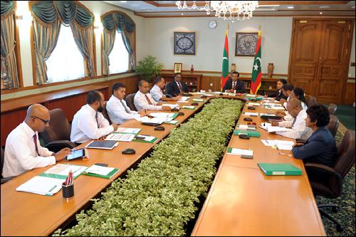몰디브 정부는 지난 17일 국무회의를 열고 세계 7대자연경관 후보지 철회를 의결했다.