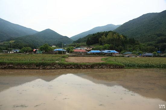 내산마을 전경