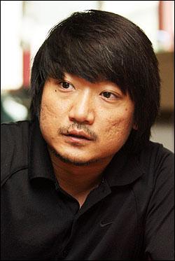 <무산일기>의 박정범 감독은 차기작에서도 감독과 주연을 도맡는다.
