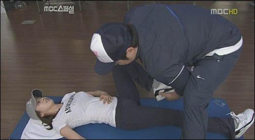 예쁜 김태희도 운동을 하면 땀을 흘린다. 사진은 'MBC스페셜-태희의 재발견'의 한 장면.