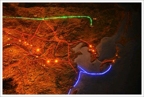실크로드는 때로 한국과 일본에까지 이어진 것으로 보기도 한다. 지도는 중국 감숙성 박물관에 있는 것.