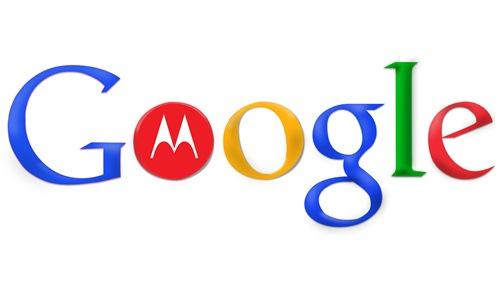 """구글의 모토로라 인수 구글은 2011년 8월 15일 모토로라 모빌리티 부문을 125억 달러에 인수하며 """"모토로라를 인수하더라도 개방형 안드로이드 운영체제는 그대로 유지할 것""""이라고 밝혔습니다. 구글은 인수 전에 삼성과 LG 그리고 대만의 제조사 HTC에 양해를 구했고 이들은 안드로이드를 특허 공격으로부터 지키려는 구글의 헌신에 환영의 뜻을 보냈습니다."""