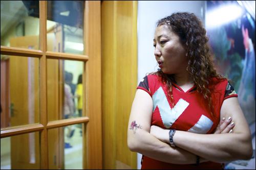 조선족이라고 불리는 중국국적을 가지고 있는 한민족들. 복잡해진 관계는 언제쯤 풀리고 좀 더 깊이 서로를 알고 짙은 사랑만으로 받아들일 수 있어질까요?