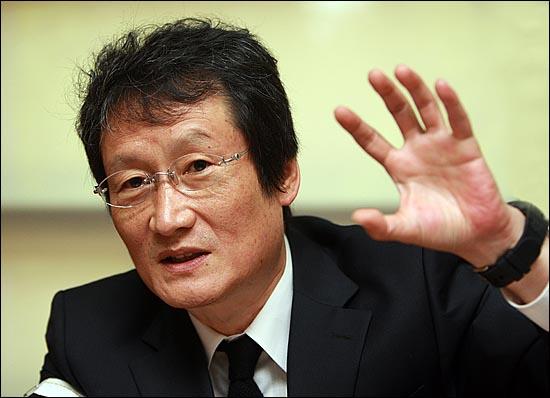 야권 단일정당 실현을 위해 '유쾌한 100만 민란' 운동을 이끌고 있는 '국민의 명령' 문성근 대표.