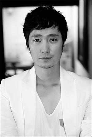 영화<최종병기 활>의 배우 박해일