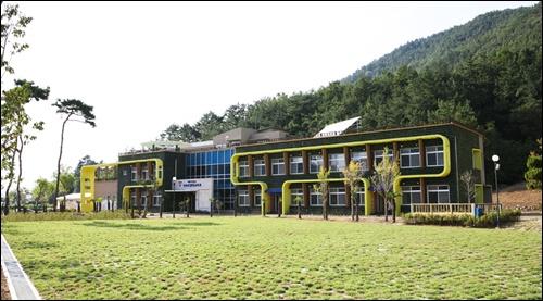 소라면 현천에 위치한 가사리생태교육관의 모습