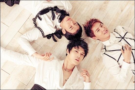 JYJ가 첫 번째 한국어 정규 앨범을 발표했다. JYJ는 앨범 작업에 80% 이상 참여하며 프로듀서로 거듭났다.