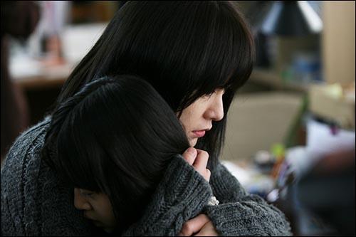 영화 <도가니> 개봉 후 큰 파장을 불러 일으키고 있는 영화 <도가니>