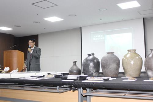 삼별초는 정교한 조직 이날 브리핑에 초대된 민현구 고려대학교 명예교수는 마도3호선 발굴성과에 대해 고무적으로 평가했다.