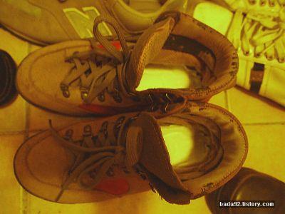 생리대가 등산을 좋아하는 사람들의 필수품? 신발의 크기에 따라 생리대의 사이즈를 맞출 수 있는 것도 장점중에 하나다.