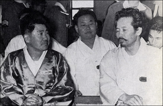 1963년 3월 11일 군일부 '쿠데타; 음모사건으로 구속되었던 김동하, 박창암 피고는 1963년 9월 27일 문향태중장을 재판장으로 하는 보통군재에서 7년형을 선고받았다.