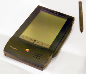 잡스가 폐기한 '뉴튼'. 애플의 실패작 가운데 하나로 꼽힌다.