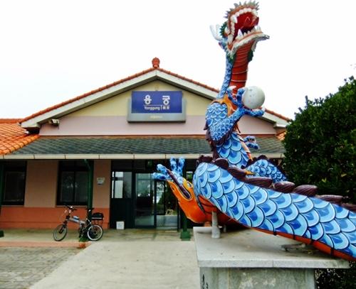 경북 예천군 용궁면은 '용'이 살고 있을 것만 같은 마을이다.