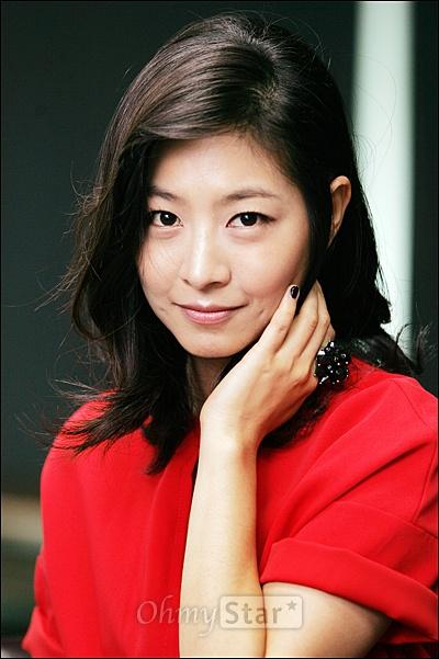 채널CGV TV방자전의 춘향이 배우 이은우가 9일 오전 서울 상암동 오마이스타를 방문, 인터뷰에 앞서 포즈를 취하고 있다.