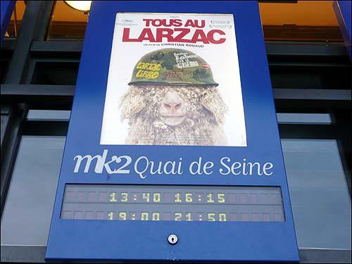 <Tous au Larzac(전부 라르작으로)> 포스터.