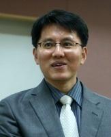 이현우(로쟈) 교수.