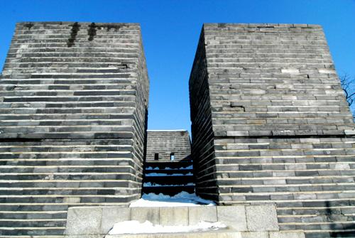 노대 벽돌로 조성한 노대는 치성 위에 올려져 있다