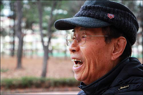 부패 권력과 비타협 투쟁으로 희수(77세)를 맞이한 개혁전사. 그는 청정하게 늙는 삶이 행복하다고 했다.