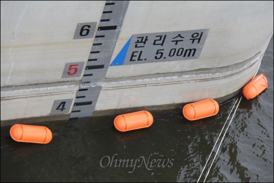 낙동강사업 18공구 창녕함안보는 관리수위가 5미터인데, 지난 5일 현장 답사 때 수위는 4미터에도 미치지 않았다.