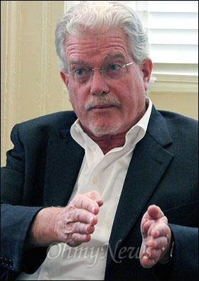 <한국전쟁의 기원>을 쓴 한국 근현대사 연구의 대가 브루스 커밍스(68) 미국 시카고대 교수