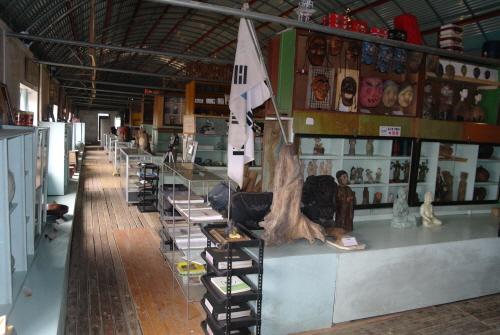 박물관 내부  400평 공간에 수만가지 생활용품들이 즐비하다.