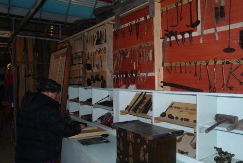 박물관 내부  각종 목공용품과 장비들이 일목요연하게 정리돼 있다.