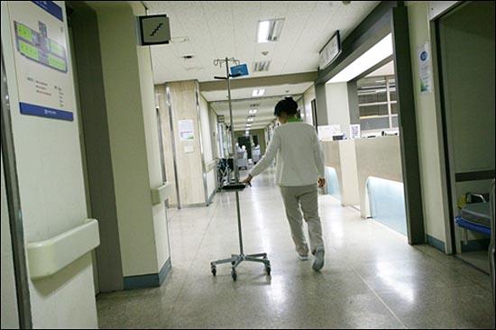 병원 간호사, 보조인력의 부족 현상은 모든 병원에서 나타나는 문제다.
