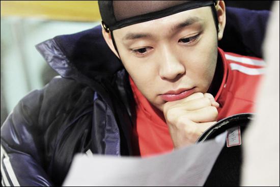 SBS 드라마스페셜 <옥탑방 왕세자>에서 왕세자 이각 역을 연기하고 있는 박유천