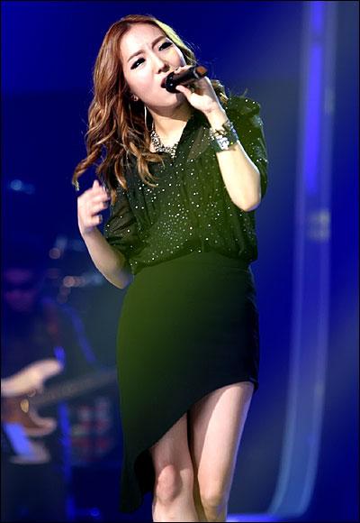 가수 정인 22일 일산 MBC 드림센터에서 진행된 <우리들의 일밤-나는 가수다2> 첫 녹화에 참석한 정인