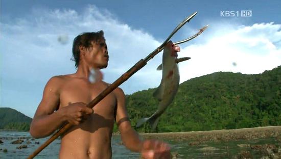 '바다의 집시'로 불리는 모켄족의 모습.