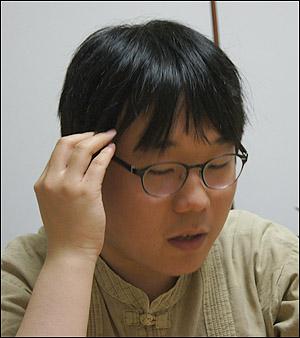 사실 그와 이야기를 나누며 '서울대'라는 단어를 언급하지 않는 것은 쉽지 않다. 그는 서울대 자퇴생이라는 꼬리표가 부담스럽다고 말했다.