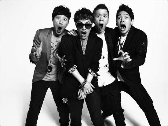 Mnet <슈퍼스타K3>에서 우승한 울랄라세션이 10일 미니 앨범 <울랄라 센세이션(ULALA SENSATON)>을 발표하며 가요계에 데뷔한다.