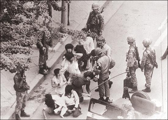 네팔에도 있고 방글라데시아에도 있는 국가폭력에 의한 피해 치료센터가 유엔 인권이사국인 한국엔 없는 실정이다. 다행스럽게도 광주광역시가 한국에선 처음으로 국가폭력에 의한 피해자들을 치료하는 '5.18트라우마 센터'를 오는 6월 개원할 예정이다.