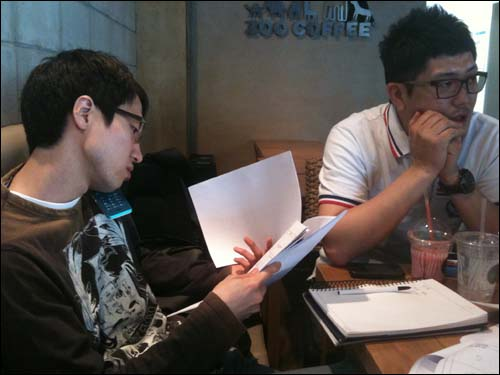 슈퍼바이저 역할을 해주기로 한 김보람 감독님과 이 단편영화의 프로듀서 장철한 실장.
