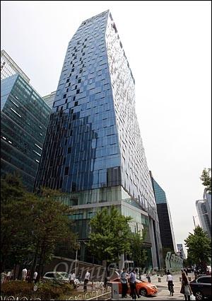 서울 중구 을지로 2가 SK텔레콤 본사.