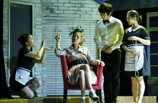 뮤지컬 <환상의 커플> 프레스콜 27일 오후 2시 동숭동 대학로문화공간 필링1관에서 진행된 뮤지컬 <환상의 커플> 프레스콜의 하이라이트 시연을 선보이는 이가은