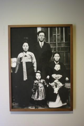 박경리 문학기념관  박경리 선생 가족사진