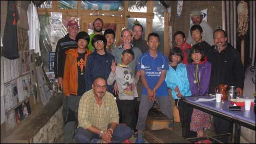 사랑어린학교 순례팀은 산티아고를 향해 걷는 동안 수많은 외국인들과 만났다고 합니다.