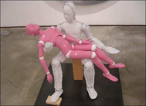 학고재갤러리 전시된 2011년 베니스비엔날레 한국관 작가 이용백 작품 '피에타(Pieta)'