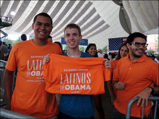 UVA의 라티노 학생들. 오마바를 지지한다.