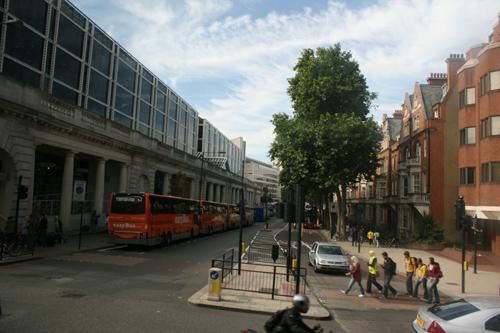 옥스퍼드행 버스타기 아침부터 부리나케 뛰어 겨우 버스에 올라탔다.