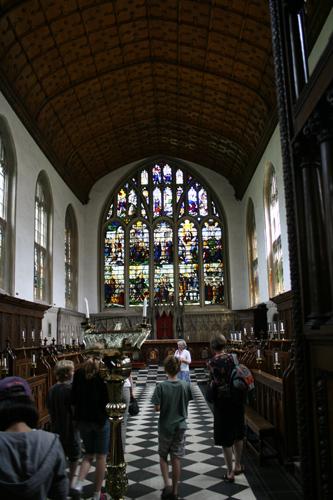 와드햄 대학의 채플 대학의 중심으로서 학생들이 예배를 보는 곳이다.