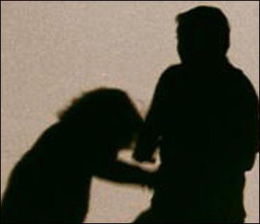 가정폭력은 가족들의 일상을 파괴하고, 상대방에게 저항감을 더욱 키울 수 있다.