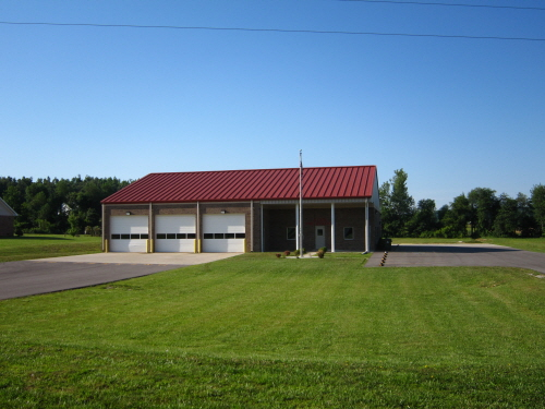 소방서 in Utica 자전거 여행자들을 위해 실내 공간을 제공해준다.